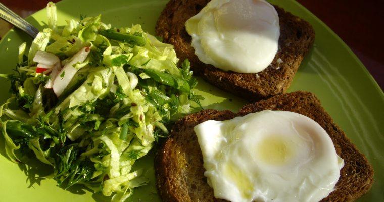 Ochiuri romanesti la micul dejun…