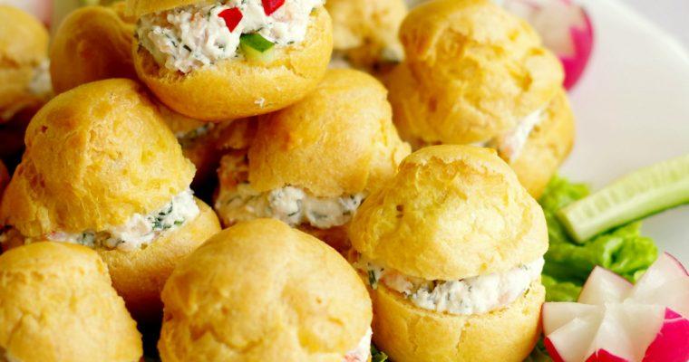 Choux-uri cu cremă de brânză și somon afumat…
