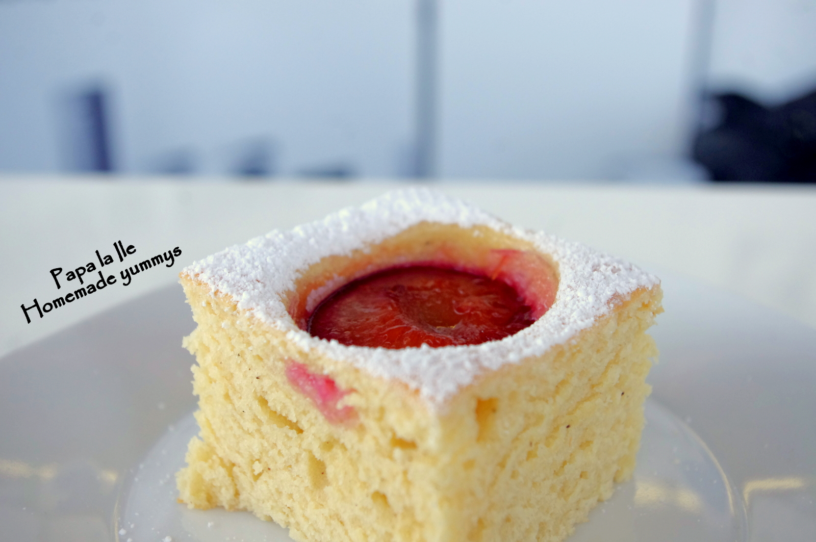 Prăjitură cu iaurt și prune…