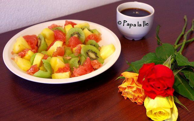 Salată de fructe pentru micul dejun și un fel de explicație…