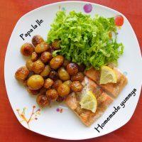 Somon la cuptor, cartofi cu rozmarin și salată…
