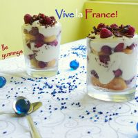 Un desert cu zmeură la pahar de ziua Franței…