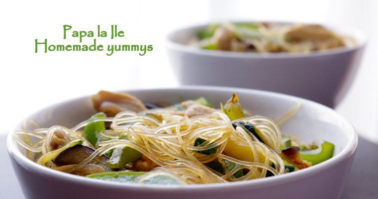 Tăiței de orez cu pui și legume…