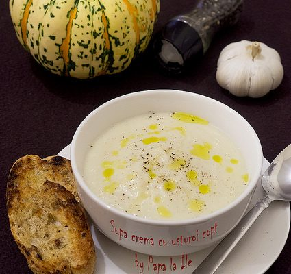 Supă cremă cu usturoi copt…